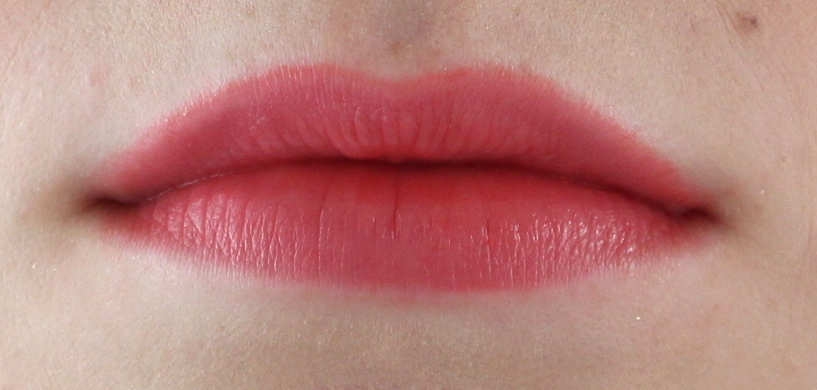 Chanel Rouge Coco Flash 60 Beat lip swatch