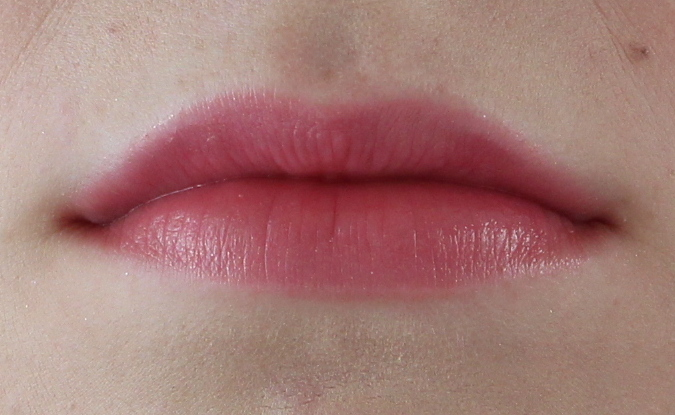 Chanel Rouge Coco Flash 82 Live lip swatch