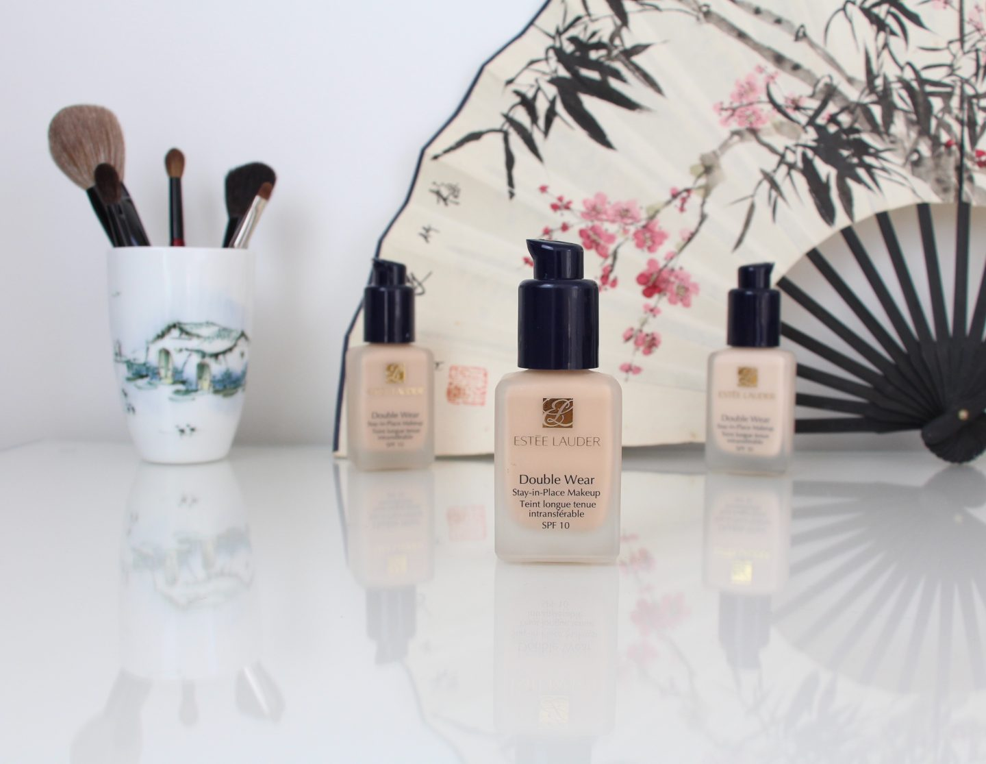 Estee Lauder Double Wear Stay-in-Place Makeup SPF10 Foundation Picture