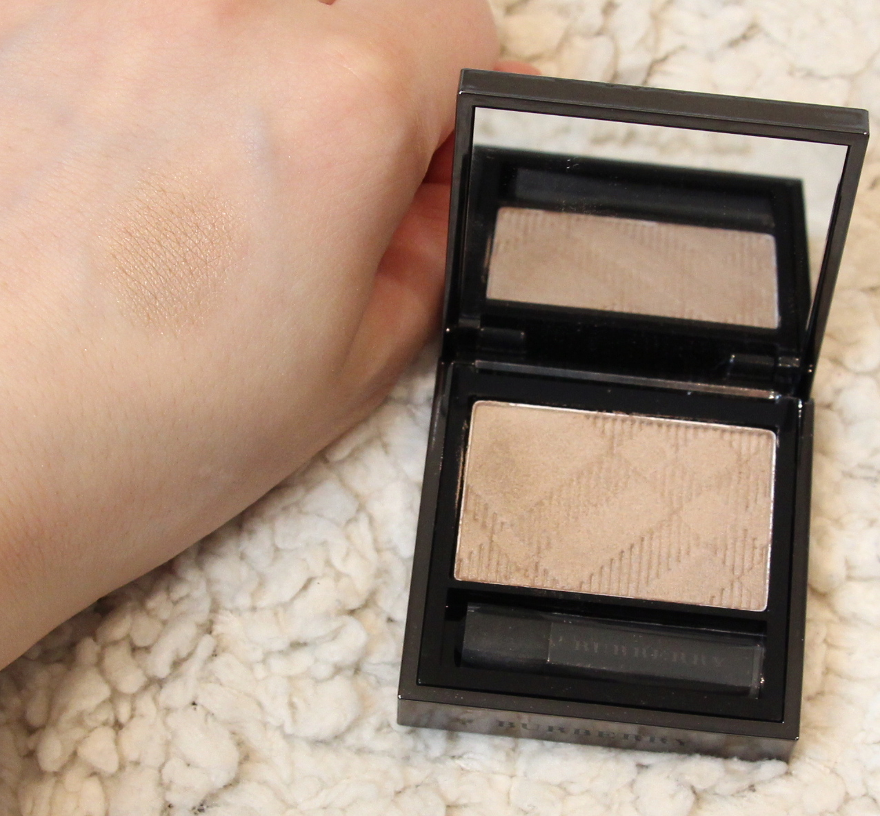Burberry Pale Barley Eye Colour No.102 wet & dry silk shadow